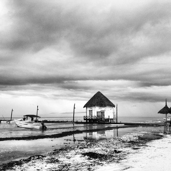La belleza del Mar Caribe… incluso en un día blanco y negro.